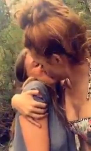 Bella Thorne with her new girlfriend
