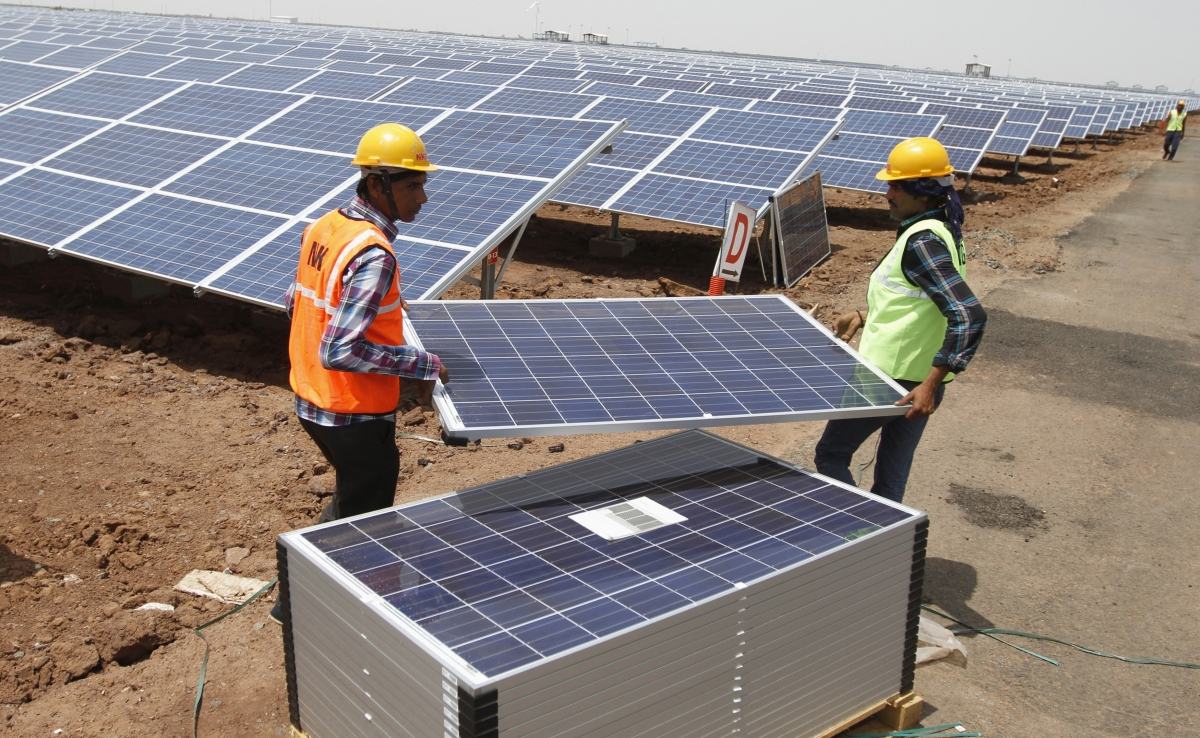 World S Largest Solar Plant Unveiled By Adani Group In