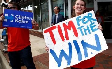VP nominee Tim Kaine calls Donald Trump Vladimir Putins defence lawyer