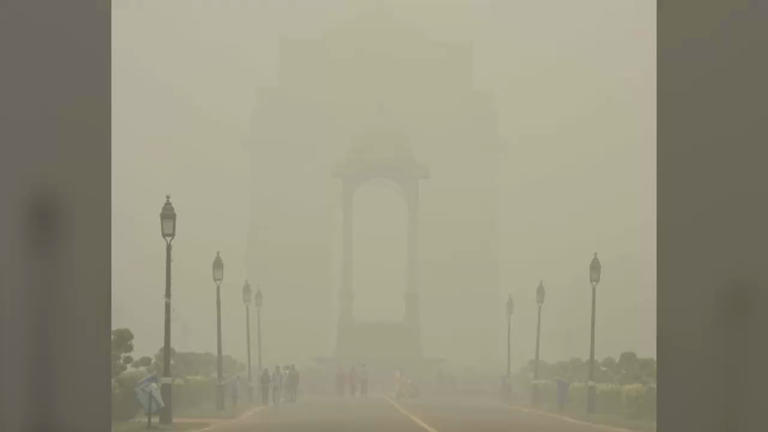 New Delhi grapples with worst smog in 17 years