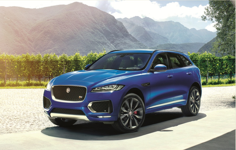 jaguar f pace wins 2016 women 39 s world car of the year title. Black Bedroom Furniture Sets. Home Design Ideas