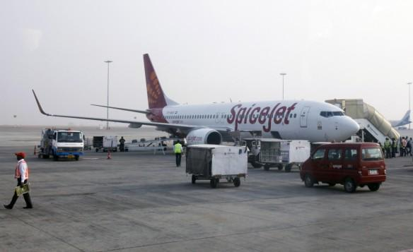 spicejet q3 results, spicejet q3 earnings, spicejet share price, spicejet boeing deal, jet airways, domestic air traffic, indigo, indian civil aviation