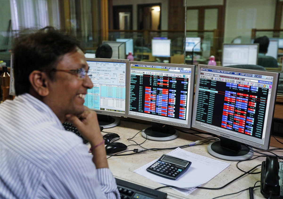 Sensex jumps over 100 points ahead of GDP data; ICICI Bank, Maruti stocks spurt