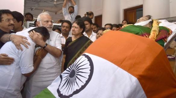 Narendra Modi Jayalalithaa panneerselvam