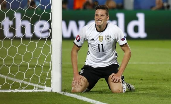 Julian Draxler is desperate to leave Wolfsburg.