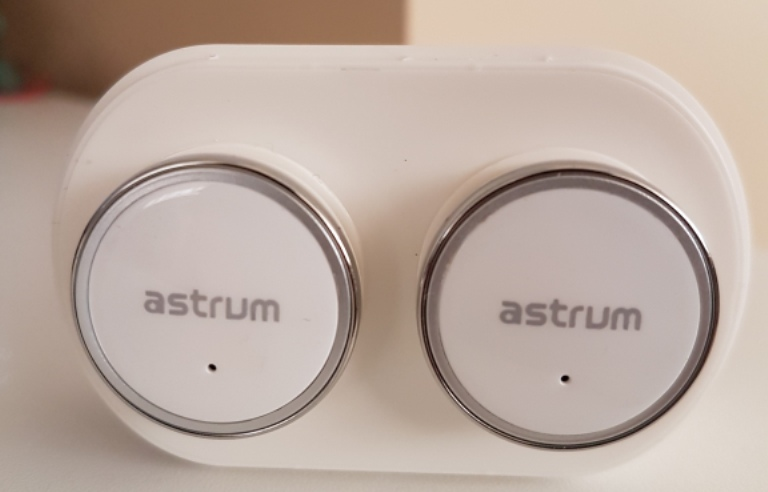 astrum et300 bluetooth earbuds review airpods like headset is easy to use easier to lose. Black Bedroom Furniture Sets. Home Design Ideas