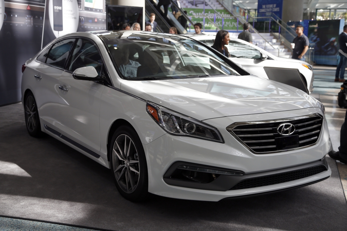 us may ask hyundai to recall sonata cars with faulty seat belts. Black Bedroom Furniture Sets. Home Design Ideas