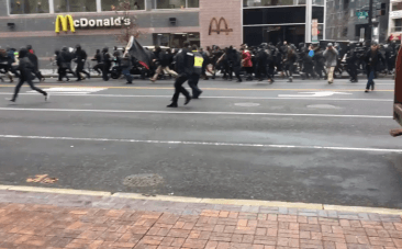 Police fire tear gas on protesters at Trump inauguration