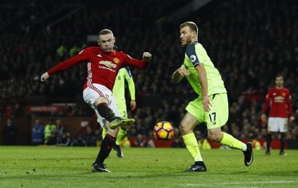Wayne Rooney, Ragnar Klavan, Manchester United, Liverpool, Stoke, EPL