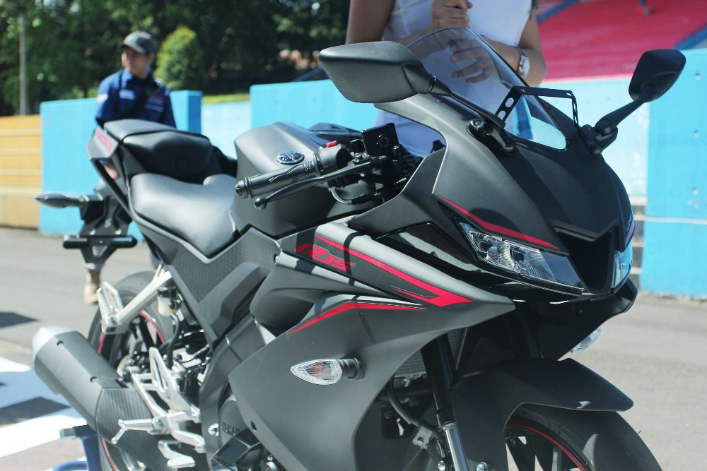 Yamaha r15 version 2 for Yamaha r15 v3 price philippines