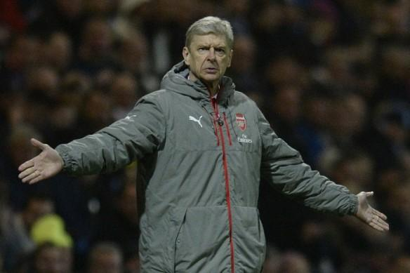 Arsene Wenger, Arsenal vs Burnley, Arsene Wenger shoves Anthony Taylor, Jon Moss, Premier League, Premier League news