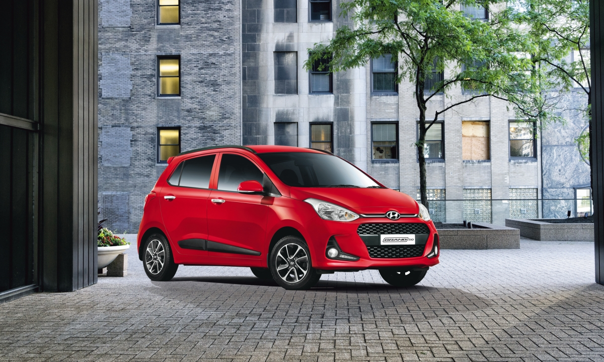 2017 hyundai grand i10 new features prices variants and. Black Bedroom Furniture Sets. Home Design Ideas