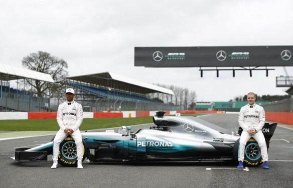 Lewis Hamilton, Valtteri Bottas, Mercedes, Formula one, Formula One news, 2017 formula one season, Lewis Hamilton fastest on day one of pre-season testing