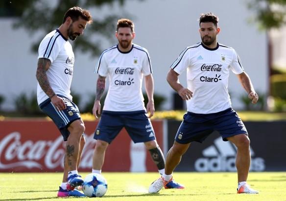 Ezequiel Lavezzi, Lionel Messi, Sergio Aguero, Argentina, Chile