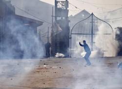 stone pelting, clashes