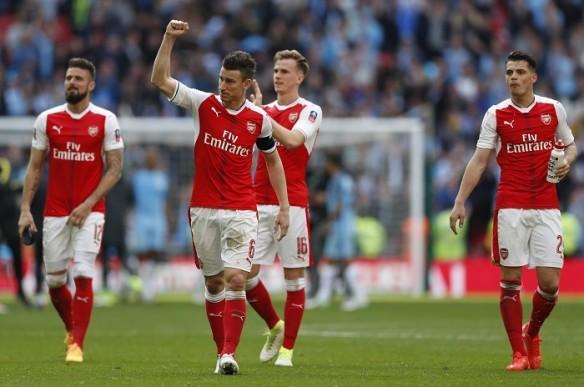 Arsenal, Koscielny, Xhaka, Leicester, EPL