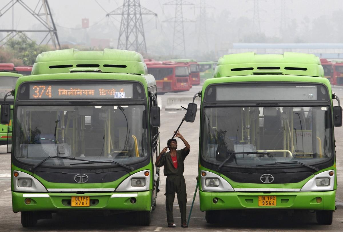 Icici Bank Leads Sensex Rally Hits New 52 Week High Tata