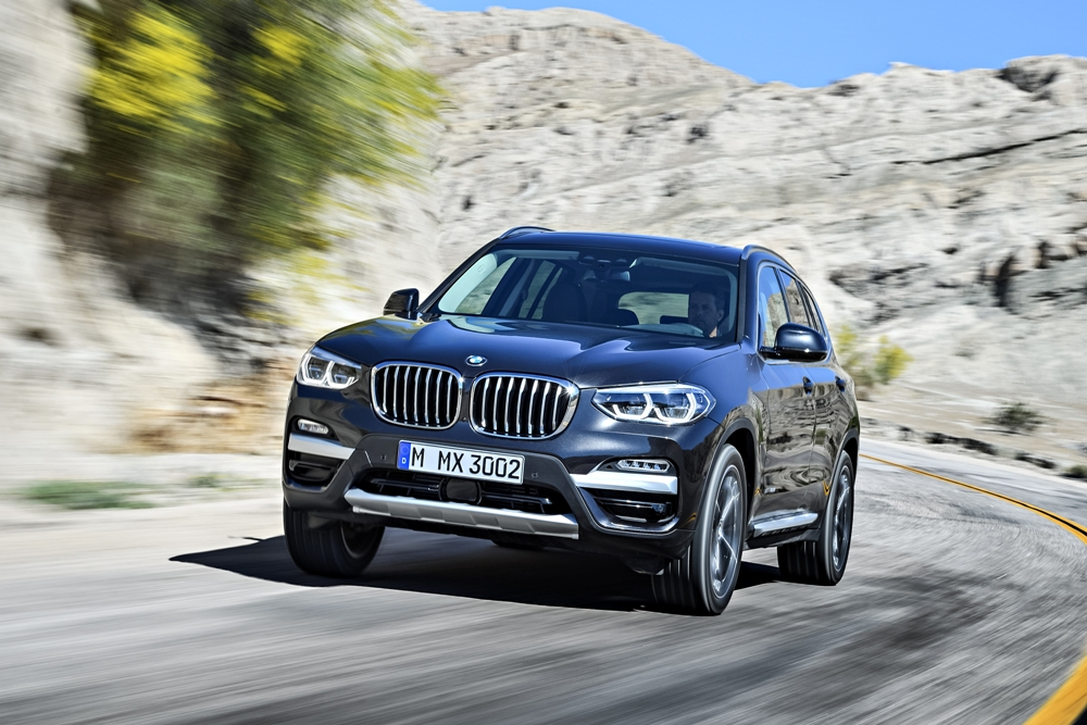 new bmw x3 revealed 3rd gen suv comes with no revolutionary change in design ibtimes india. Black Bedroom Furniture Sets. Home Design Ideas