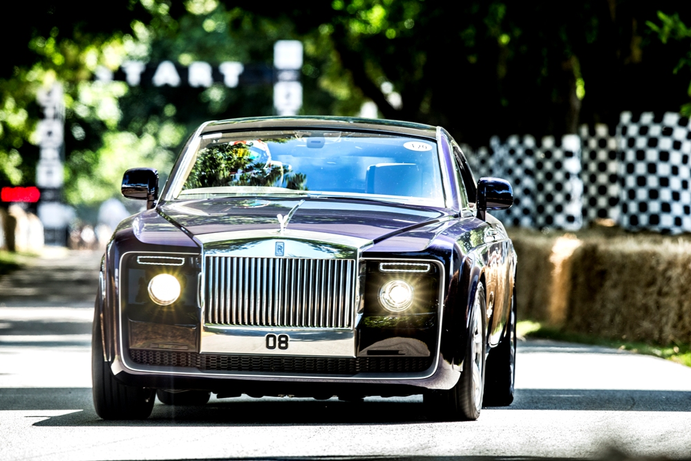 rolls royce sweptail world 39 s most expensive car graces 2017 goodwood festival of speed. Black Bedroom Furniture Sets. Home Design Ideas