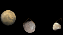 Tiny moon Phobos photobombs Mars