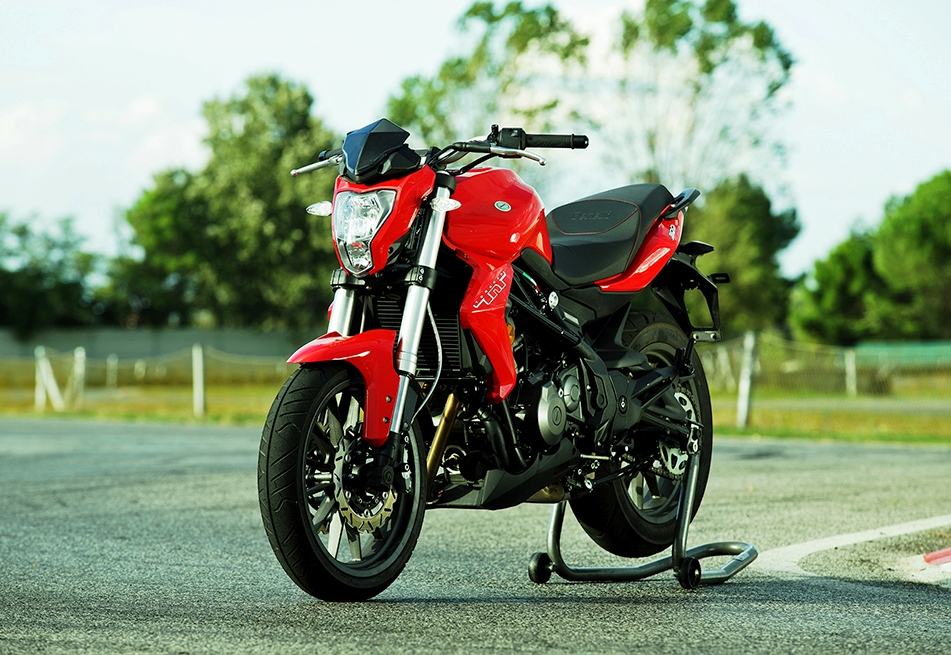 DSK Benelli TNT 300 With ABS Launched At Rs 3.93 Lakh On