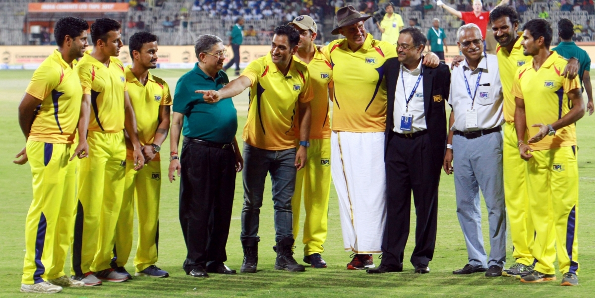 IPL 2018: Former Indian cricketer explains why MS Dhoni ...  Chennai Super Kings Players