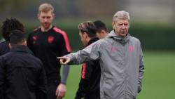Did Alexis Sanchez snub Wenger at Arsenal training?