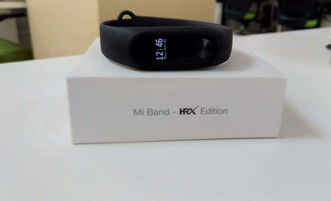 Xiaomi Mi Band Hrx Edition Full Review Of Design Comfort Display User Interface Battery And More