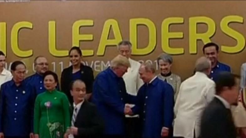 Watch Trump and Putin shake hands at Apec Summit