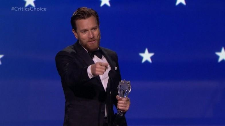 Ewan McGregor ignores wife, snogs Mary Elizabeth Winstead at Critics Choice Awards