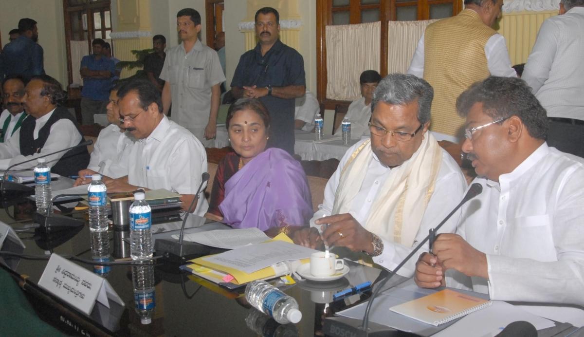 pm narendra modi in bengaluru siddaramaiah asks pm to resolve mahadayi river row yeddyurappa. Black Bedroom Furniture Sets. Home Design Ideas
