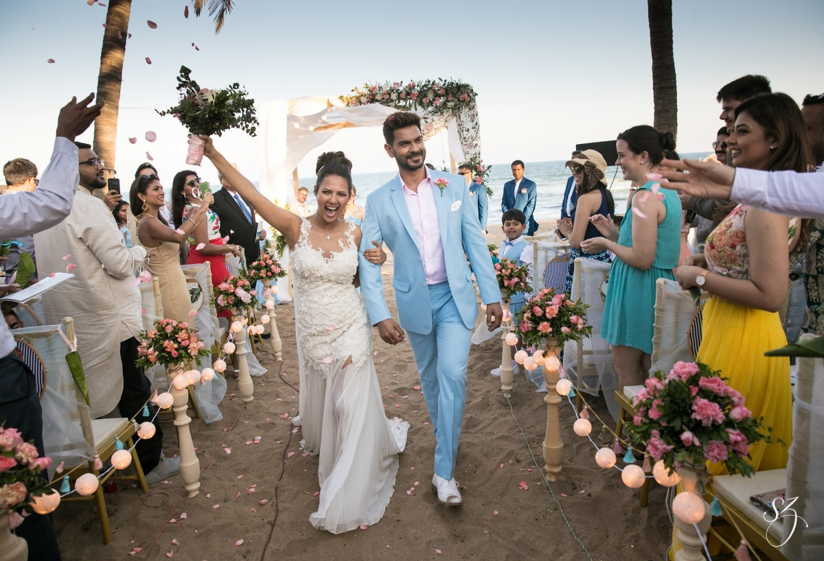 Couple S Wedding Ceremony And Reception Held At The Beach: Rochelle Rao And Keith Sequeira Of Bigg Boss 9 Fame Get