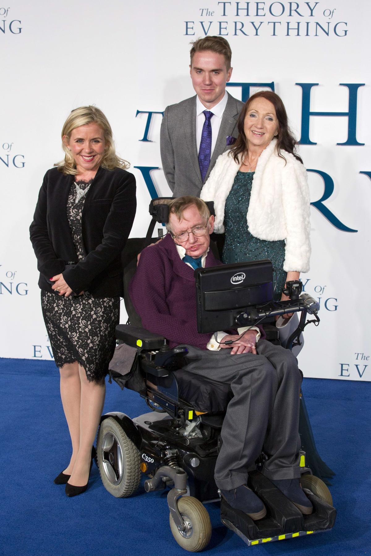 Stephen Hawking family: Elaine Mason, Jane Wilde and his ...
