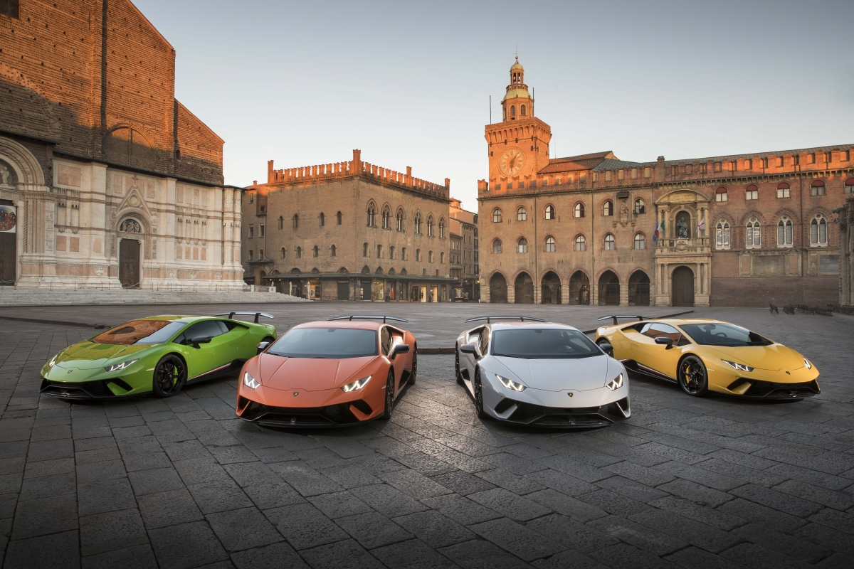 Lamborghini Huracan Sports Car, Iconic Gallardo Successor Celebrates  10000th .