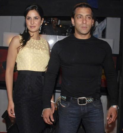 Salman Khan (R) and Katrina Kaif