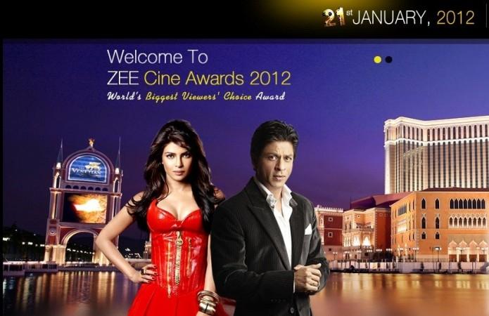 Priyanka Chopra (L), Shah Rukh Khan
