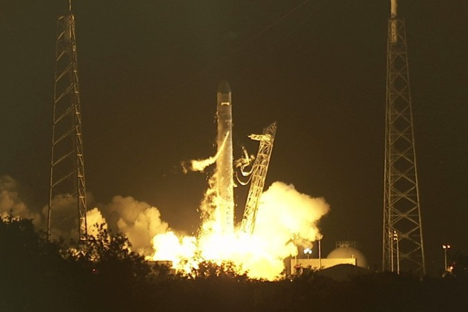 SpaceX Launches Dragon capsule into the orbit