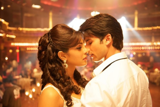 Shahid and Priyanka in a still from