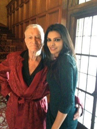 Sherlyn Chopra with Play magazine founder Hugh Hefner (Twitter)