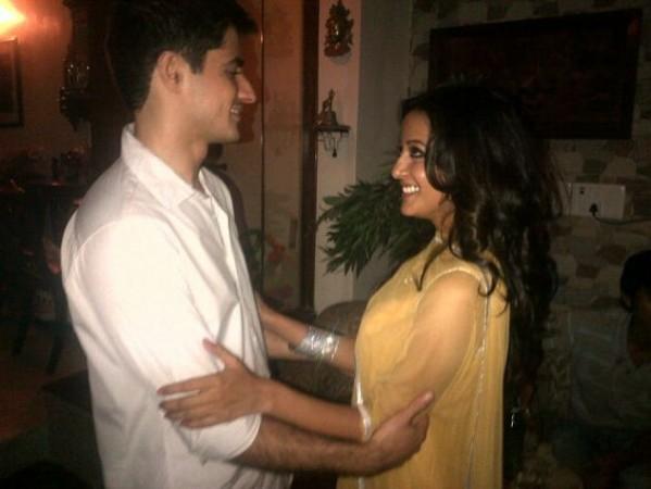 Actress Raima Sen with her close friend Varun Thapar. (Twitter)