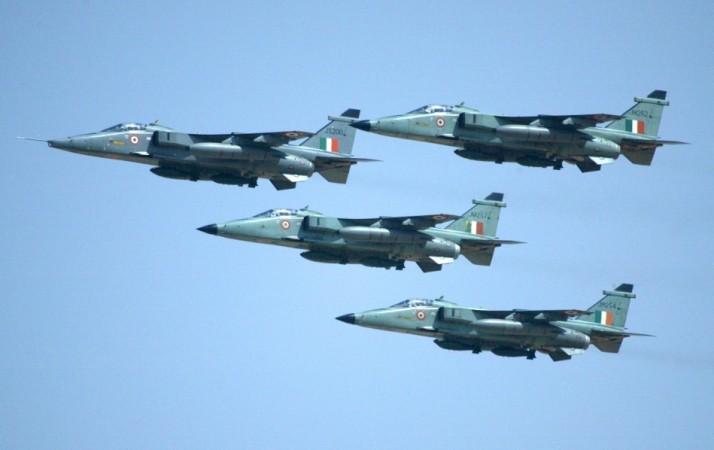 IAF's MiG-29 Crashes Near Jamnagar, No Casualties - IBTimes