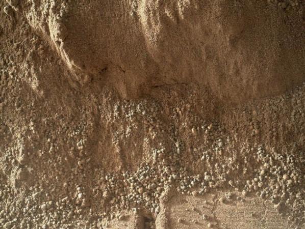 Football-Sized Martian Rock