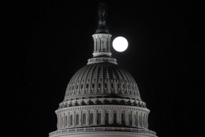 2012's Final Full Moon Rises Friday