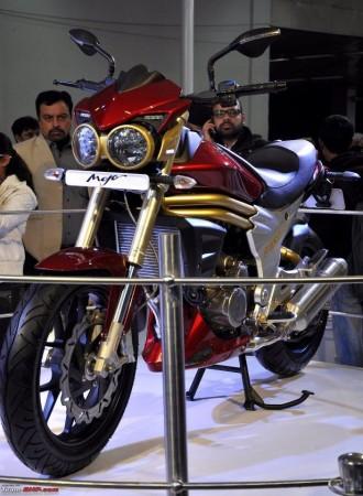 Mahindra 2 Wheelers  300cc Mojo