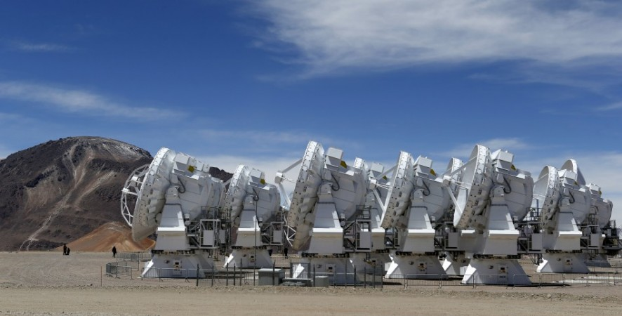 Parabolic antennas of the ALMA (Atacama Large Millimetre/Submillimetre Array) project are seen at the El Llano de Chajnantor in the Atacama desert, some 1730 km (1074 miles) north of Santiago and 5000 metres above sea level, March 12, 2013.(Reuters)