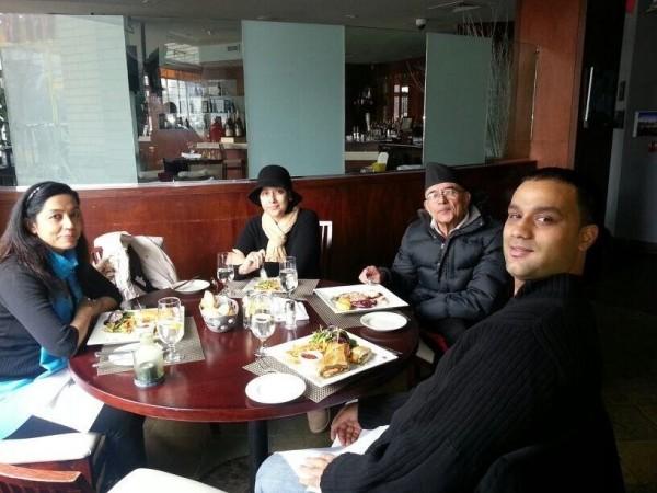 Manisha with family and Friends (Manisha Koirala/Twitter)