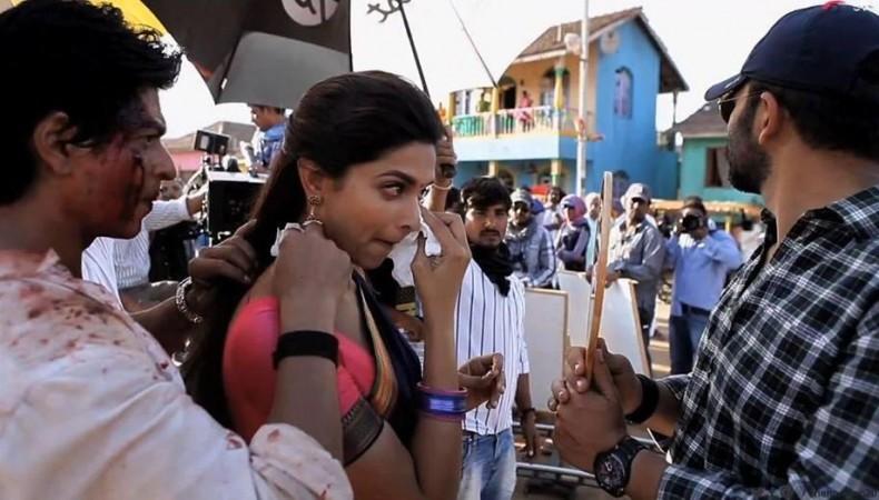'Chennai Express': Shah Rukh Insists Deepika Padukone to ...