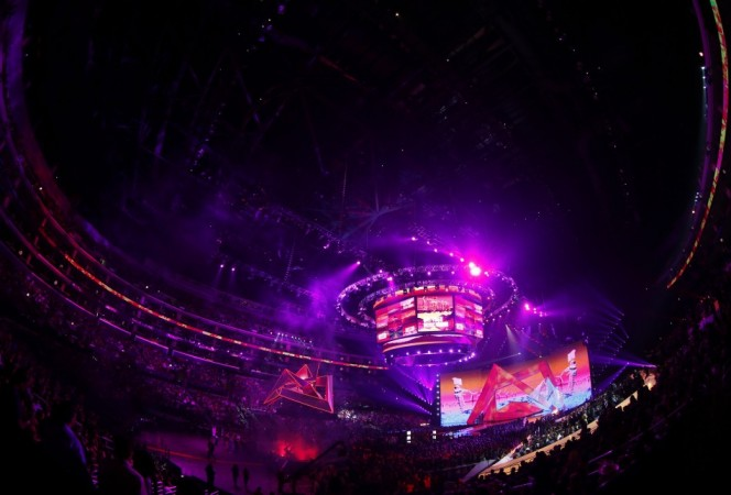 General view of the stage during the 2012 MTV Video Music Awards in Los Angeles, September 6, 2012/ REUTERS