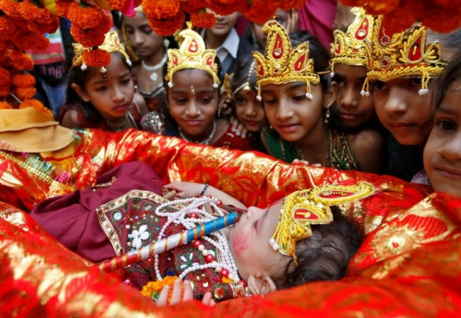 4e02f8ff3 Janmashtami 2013  India Celebrates Lord Krishna s Birth Anniversary ...