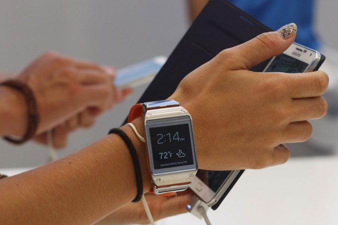 Samsung Galaxy Gear's Manager App Gets Firmware Update, Enables